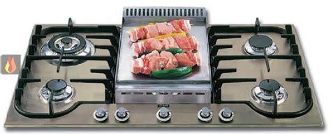 plaque de cuisson gaz 90 cm encastrable 5 foyers dont 1 foyer wok et 1 fry top ilve ec ilv317