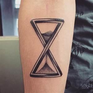 Tatouage Simple Homme : tatouage sablier ~ Melissatoandfro.com Idées de Décoration