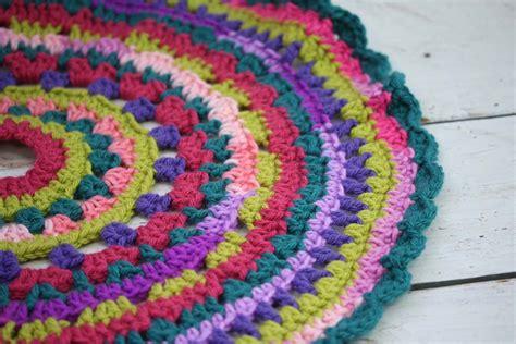 how to crochet a christmas tree skirt hobbycraft blog