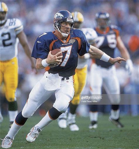 Super Bowl Xxxii Denver Bronocs Qb John Elway In Action