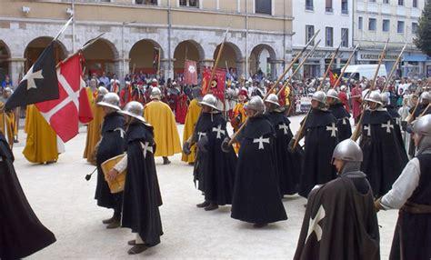si鑒e de vienne grande fête médiévale vienne 2013 chevaliers et pèlerins région le chroniqueur