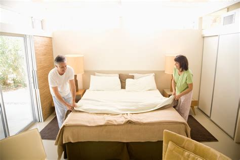 Bett machen » Was sollten Sie nach dem Aufstehen tun?