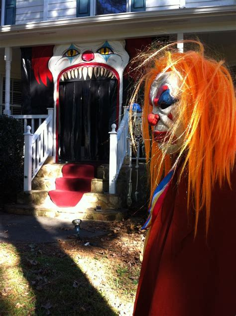 creepy clown decorations top 28 scary clown decorations holiday statues evil clown archway carnevil pinterest evil