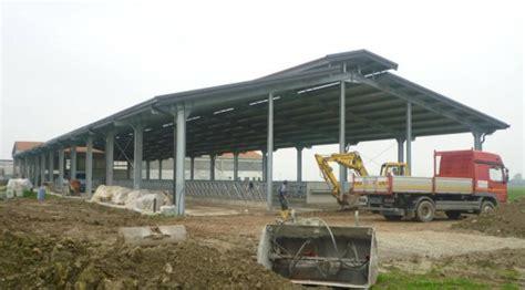 fienili prefabbricati struttura metallica azienda agricola pegognaga mn