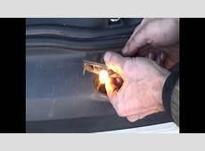 Réparer un connecteur électrique d'éclairage de plaque d