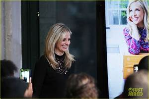 Sarah Michelle Gellar Launches Baking Company Foodstirs ...