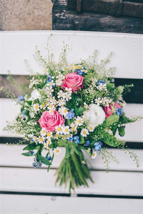 die besten  brautstrauss wildblumen ideen auf pinterest