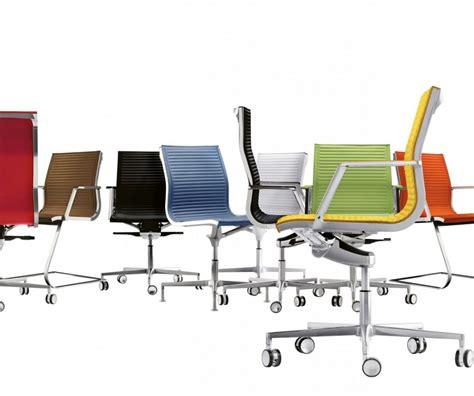chaise de bureau but chaise de bureau éxecutive en cuir pleine fleur nulite