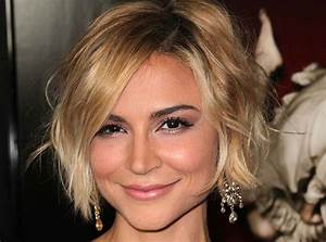 Samaire Armstrong Height, Weight, Age, Bio, Figure, Net ...