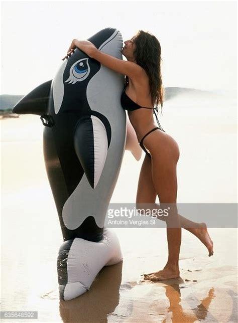 melania trump illustrated sports swimsuit knauss 2000 issue young poses 1999 bikini ivanka wife models donald most she lady september