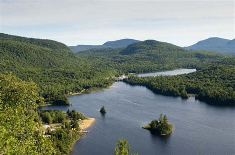 staying in and exploring beautiful parc national du mont tremblant