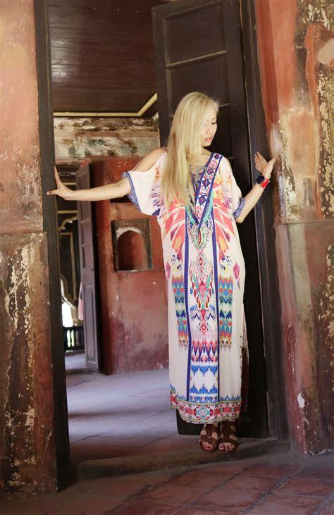 Fashion Lookbook: The Tipu Sultan Summer, India - Nylon Pink