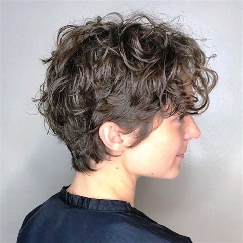 bold  elegant short hairstyles  girls   chic