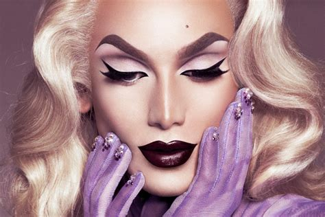 Makeup Tips From Drag Queens