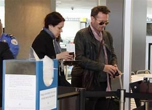 Scott Weiland Photos Photos - Scott Weiland Departs from ...