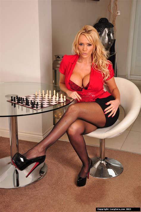 Kinky Hottie Lucy Kinky Babe Lucy Photo Galleries Videos By Lucy Zara