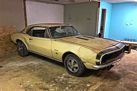 pin by duane nascimento on barn finds cars chevrolet