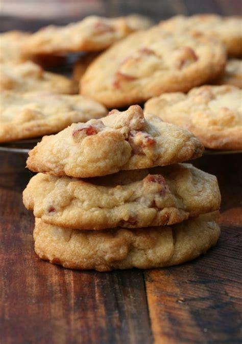 strawberry white chocolate  macadamia nut cookies