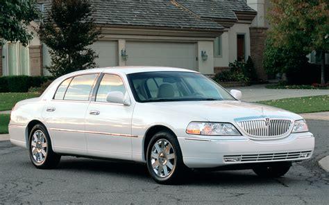 2003 Lincoln Town Car Photo 4