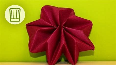 servietten falten zu weihnachten servietten falten der tisch deko zu weihnachten faltanleitung chefkoch