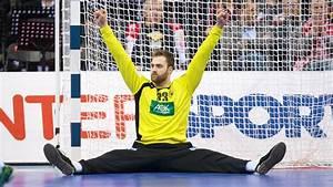 Handball Torwart Andreas Wolff Trumt Vom Olympiasieg Mit