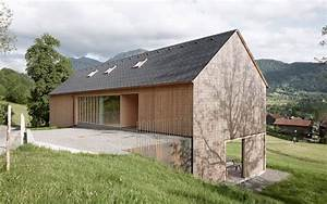 Bauen Am Hang : haus am hang mit aussenverkleidung aus holz foto adolf ~ Lizthompson.info Haus und Dekorationen