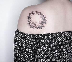 Tatouage Femme Epaule Discret : petit tatouage femme et homme id es discr tes et pleines d 39 originalit ~ Melissatoandfro.com Idées de Décoration