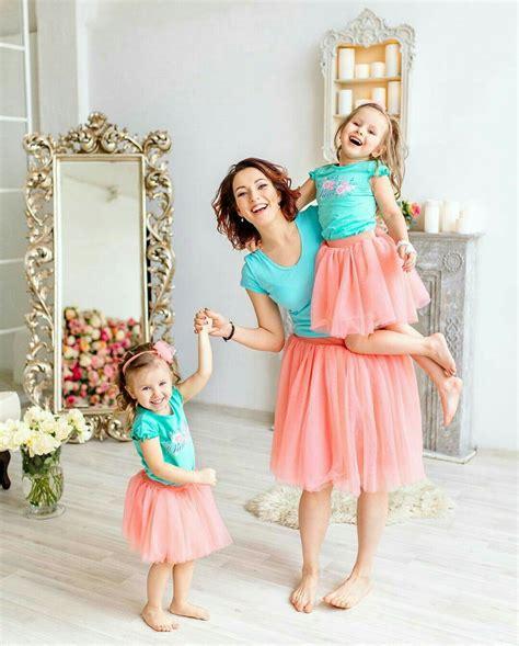 Одинаковые платья для мамы и дочки 38 фото нарядные вечерние или повседневные