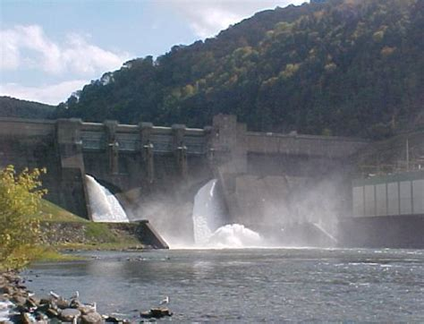 Pontoon Boat Rental Kinzua Dam by Allegheny River Canoe Rentals Are Plentiful