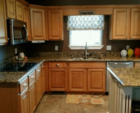 Portofino Gold Granite Kitchen   Project Details And Pictures