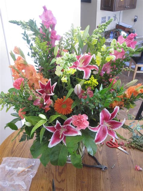 Flower Arranging Vases by Simply Beautiful How To Make A Big Flower Arrangement In