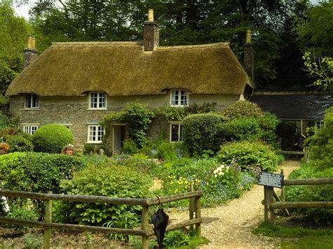 gorgeous english thatched cottages
