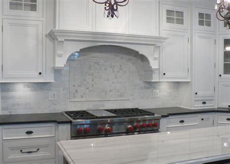 Marble Tile Kitchen Backsplash by White Marble Backsplash Kitchen Countertops