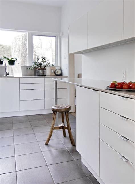 white  light modern kitchen ottawa  handwerk