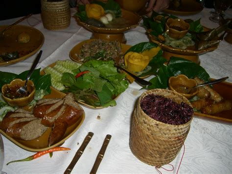cuisine laos file typical laotian food jpg wikimedia commons