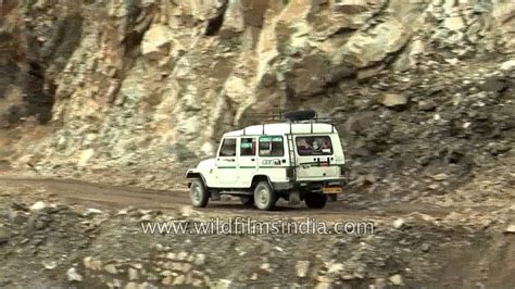 car passing  dangerous narrow mountain road youtube