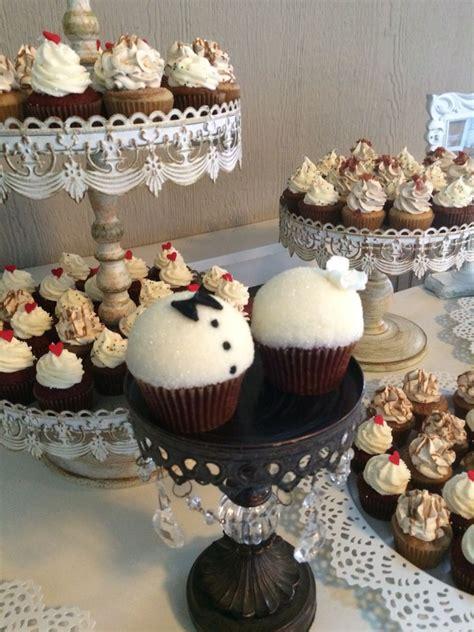 bride groom cupcakes theyellowleaf gourmet cupcakes cupcakes gourmet