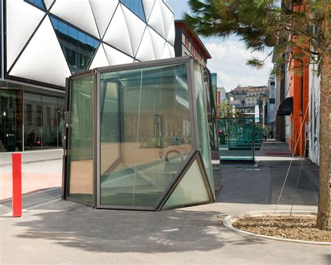 The World's 10 Best Public Toilets For 2016