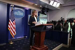 Allison Janney makes appearance in the White House ...