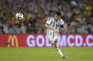 lionel messi shooting wallpaper