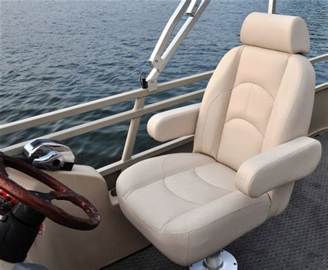 Pontoon Captain Seats by 17 Best Ideas About Pontoon Boating On Pontoon
