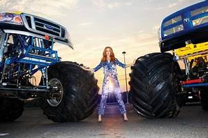 Girls And Trucks Wallpapers, 45 Girls And Trucks ...