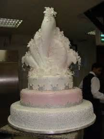 extravagant wedding cakes wedding trends extravagant wedding cakes
