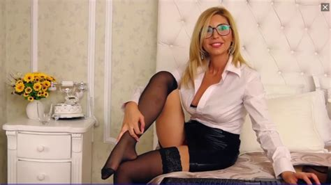 Sexy Milf Puts Her Stockings On Youtube