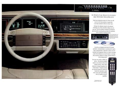 1991 Lincoln Town Car-07