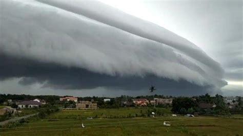 mbah mijan komentari soal fenomena kemunculan awan