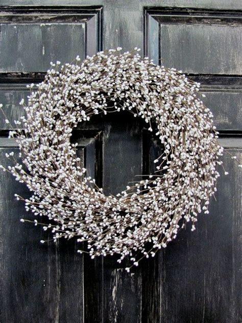 winter white pip berry wreath christmas wreath white