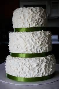 buttercream wedding cakes sissy cake house wedding and engagement cakes buttercream topping