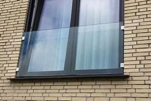 franzosischer balkon aus glas glasprofi24 With französischer balkon mit abstrakte skulpturen garten
