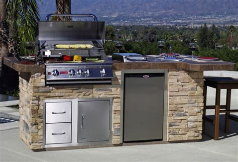 Bull Outdoor Kitchen Doors — Bistrodre Porch And Landscape. Living A Box Room In Your Heart. The Living Room Boston New Years Eve. Decorating Ideas For Very Small Living Room. How To Decorate A Living Room With Curtains
